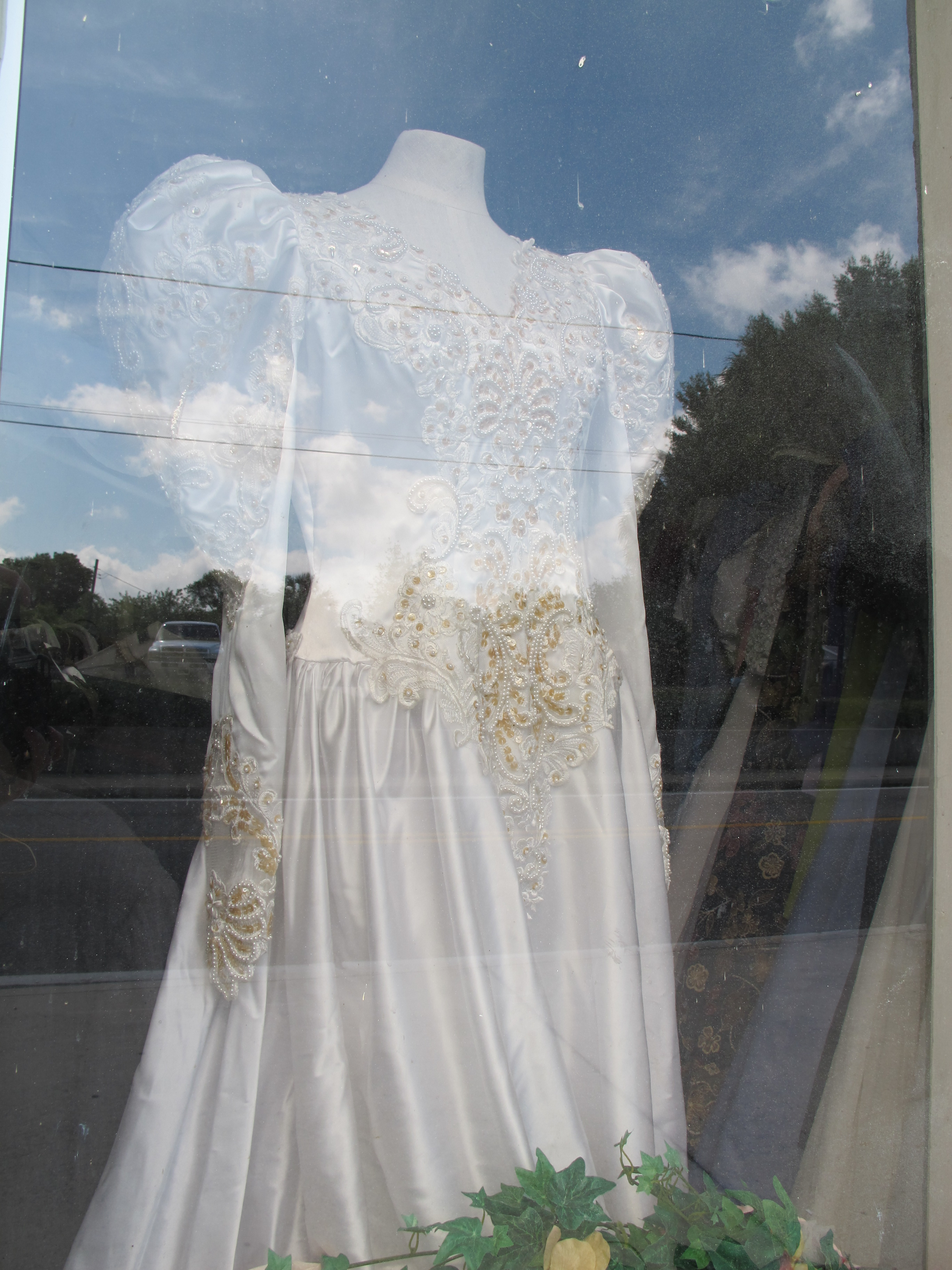 Hacked up wedding dress amber love johnson for Wedding dress thrift shop